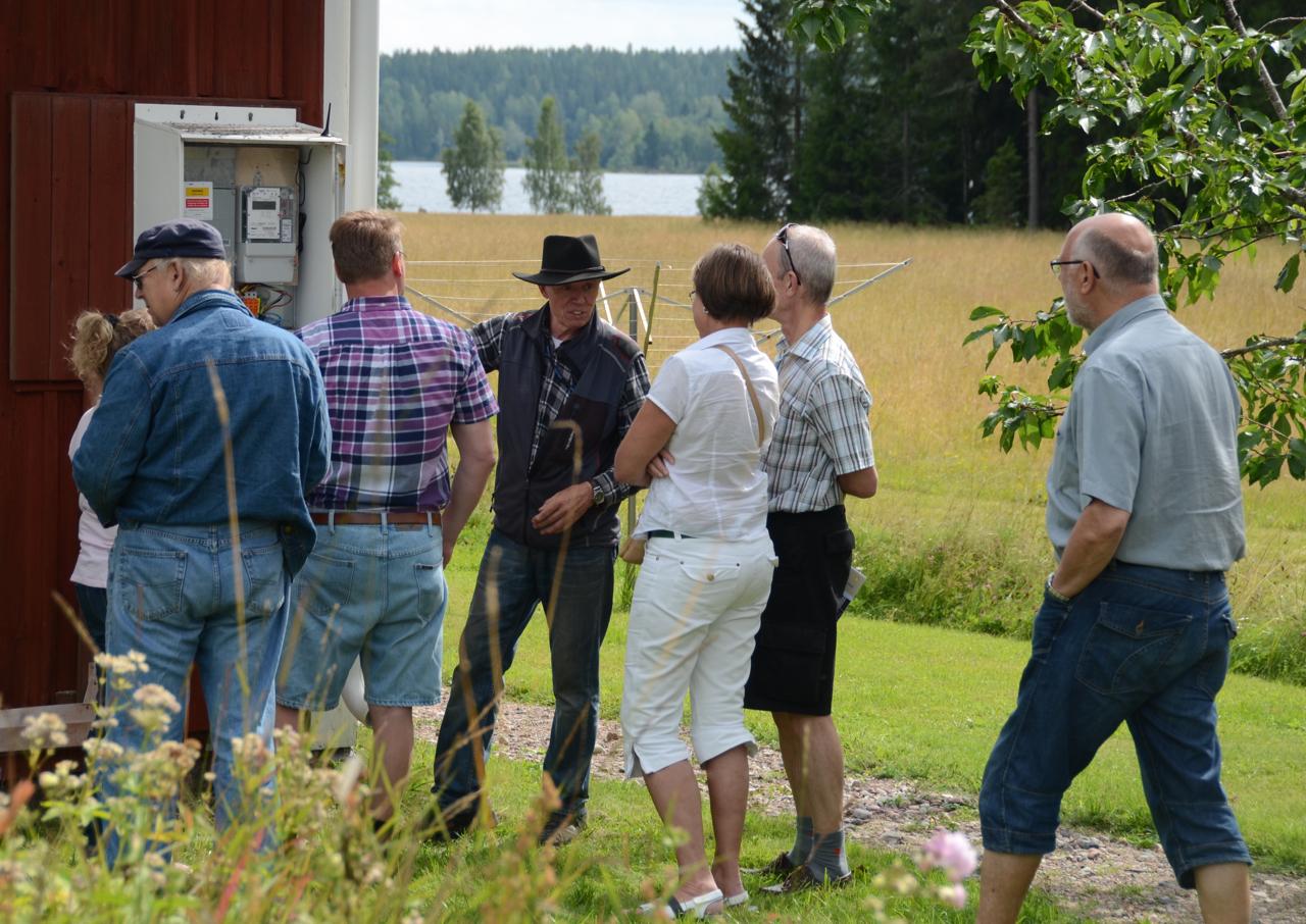 """El hit och dit. Lennart förklarar begreppen. 25% används på Orrnäs och 75% går på """"export""""."""